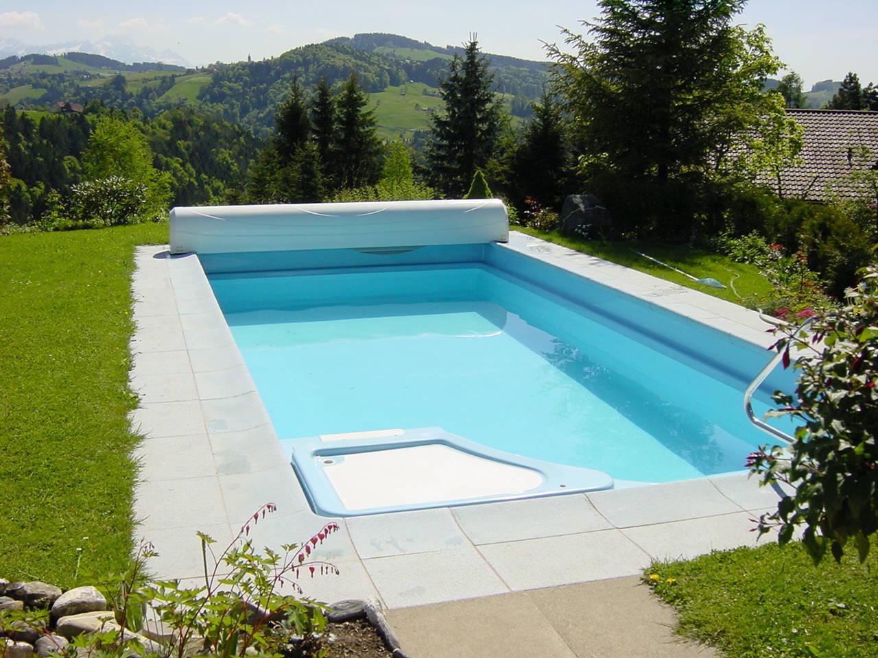 Fertig pools aus kunststoff ibatec ag for Fertigbecken pool