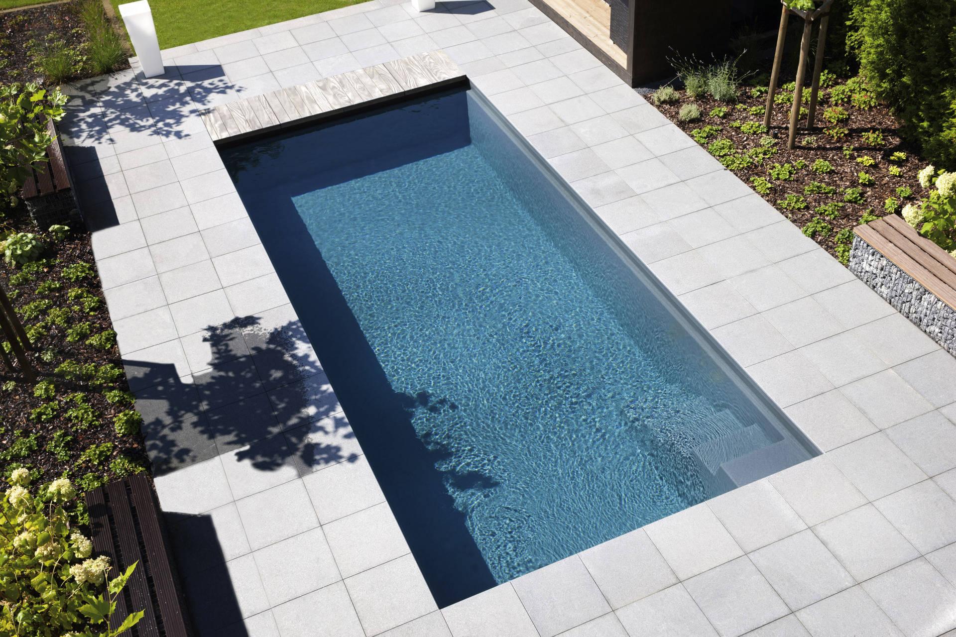fertig pools aus kunststoff ibatec ag. Black Bedroom Furniture Sets. Home Design Ideas